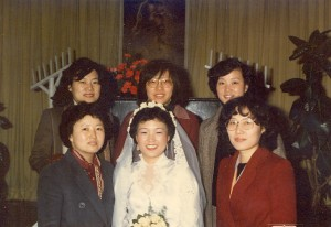 이대 총학생회 친구들과, 아래 왼쪽이 김선욱씨, 1980년