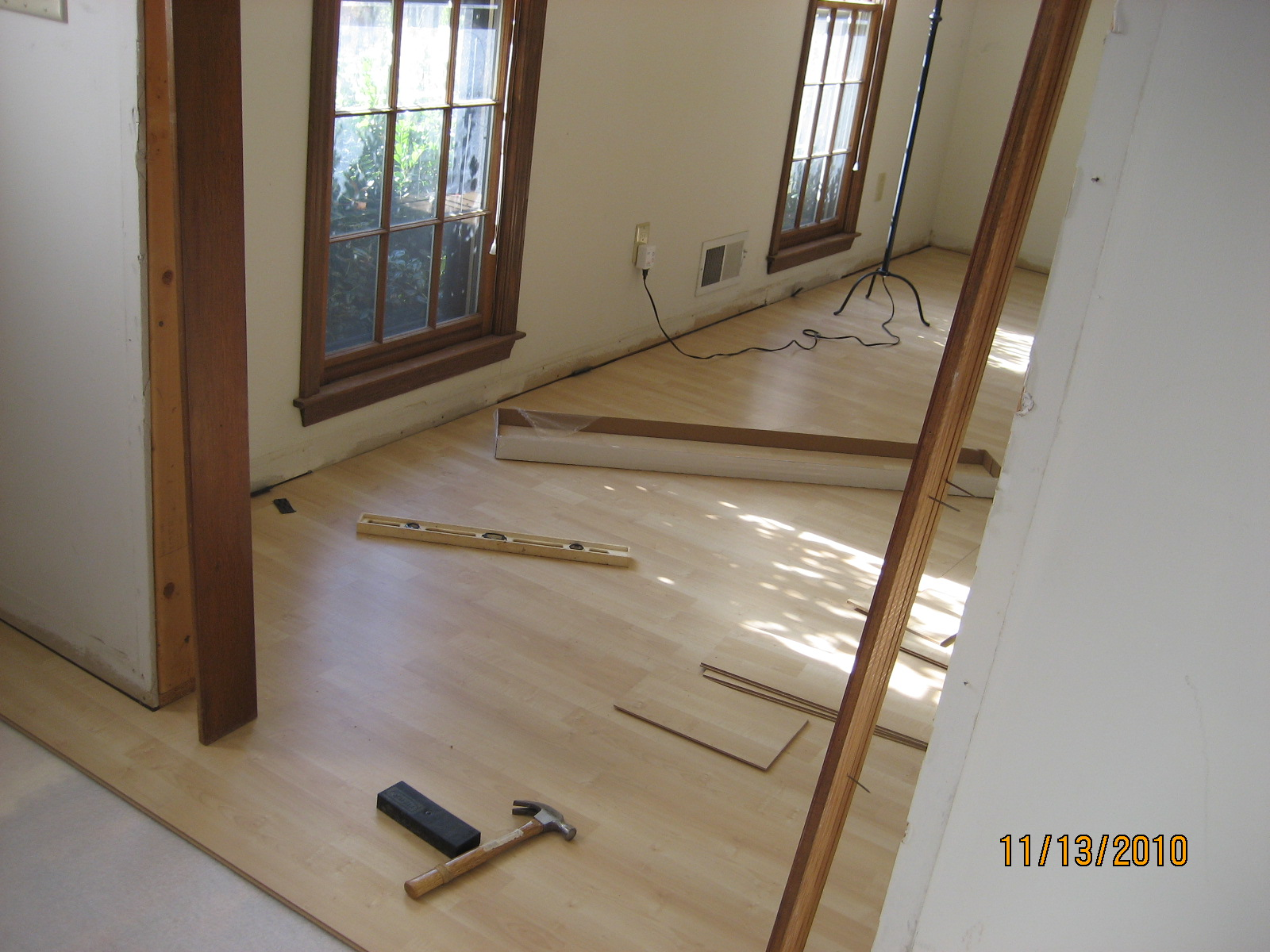 Laminate flooring laying tundra laminate flooring for Ikea tundra
