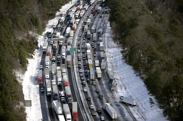 100% 완전히 정지 된 I-285 traffic
